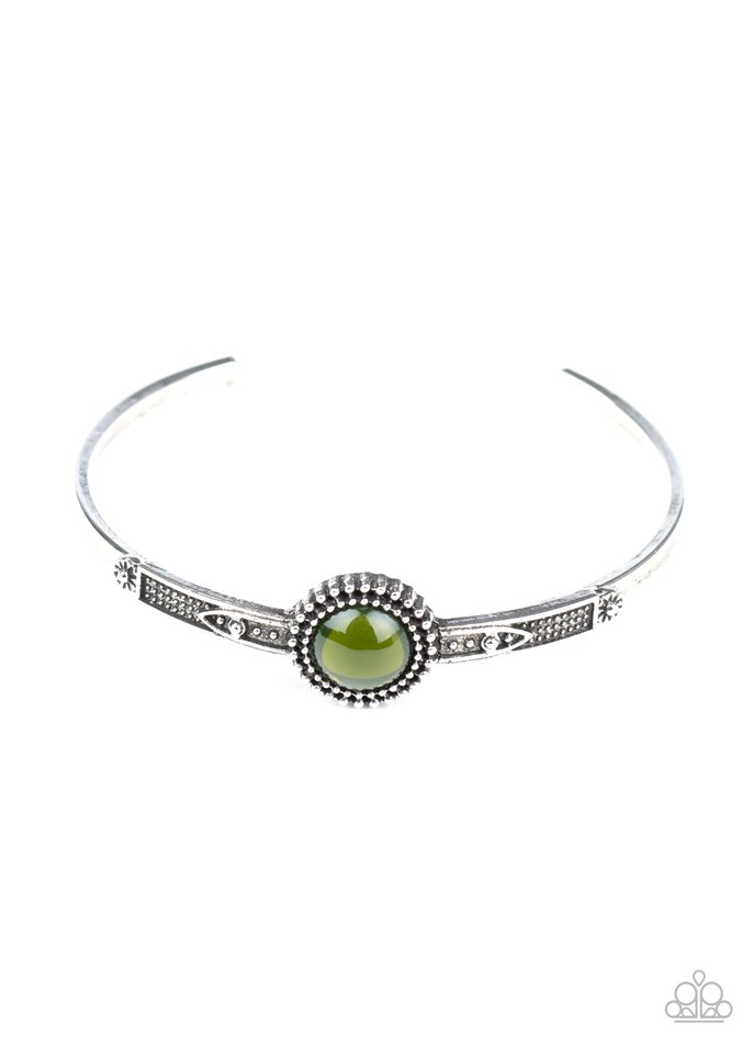 PIECE of Mind - Green - Paparazzi Bracelet Image