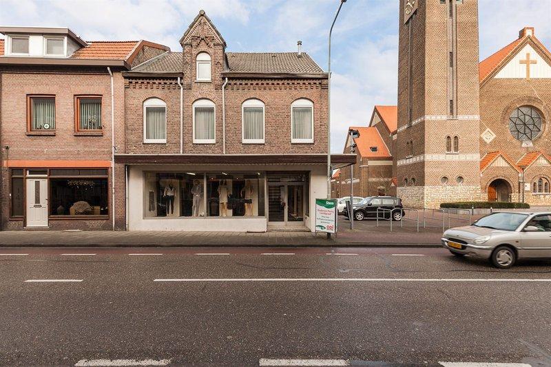 Hoogstraat 141