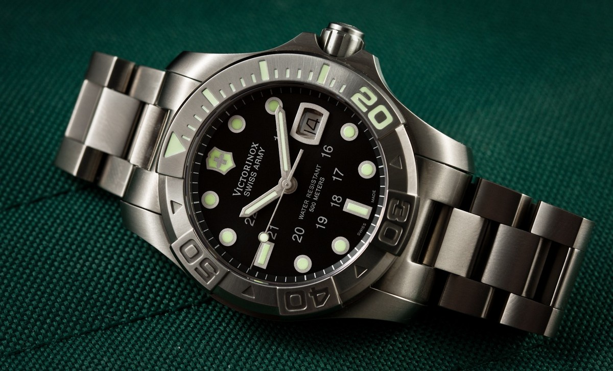Victorinox Swiss Army Men's 241356 Dive Master 500 Mecha Automatic Watch