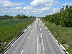 Motortrafikled (2+1 vägar).jpeg