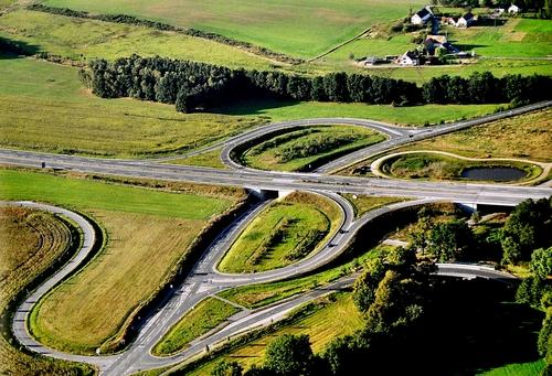 Autobahnzubringer.jpg