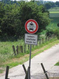 Landwirtschaftlicher Verkehr frei.jpg