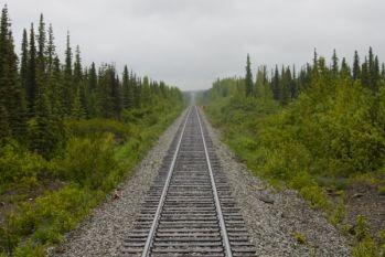 600px-RailroadTracksVanishingPoint.jpg