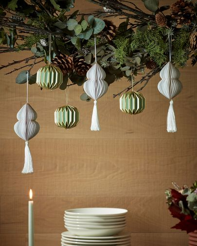 Yalile white bauble set