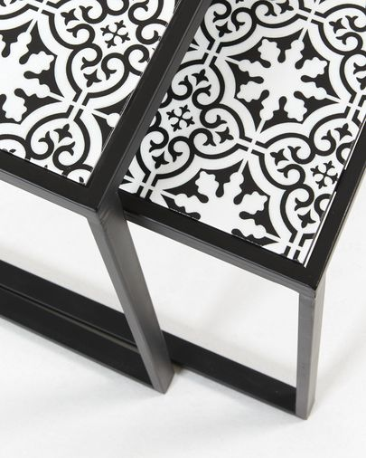 Pica set of 2 nesting tables