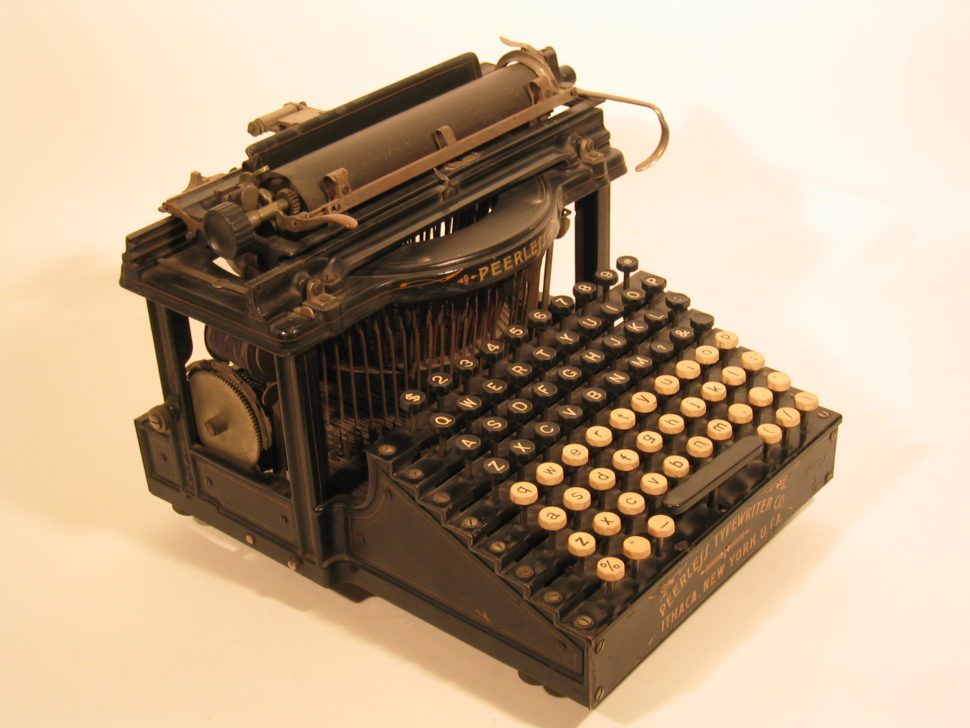 10 Gorgeous Typewriters Every Writer Dreams About - Web Design Ledger