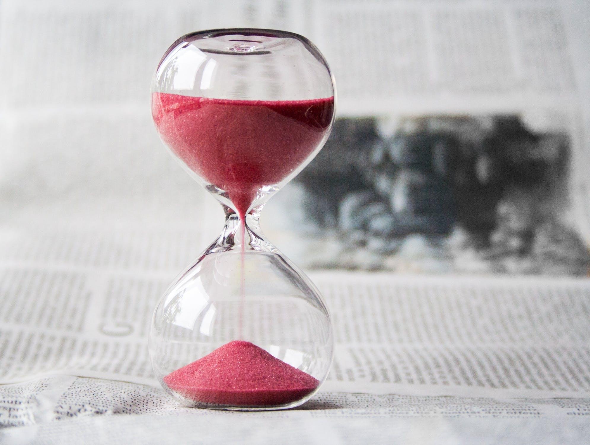 ef535374 hourglass time hours sand 39396