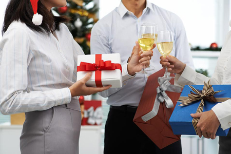 Should You Party Hardy Six Tips On Holiday Etiquette At The Office