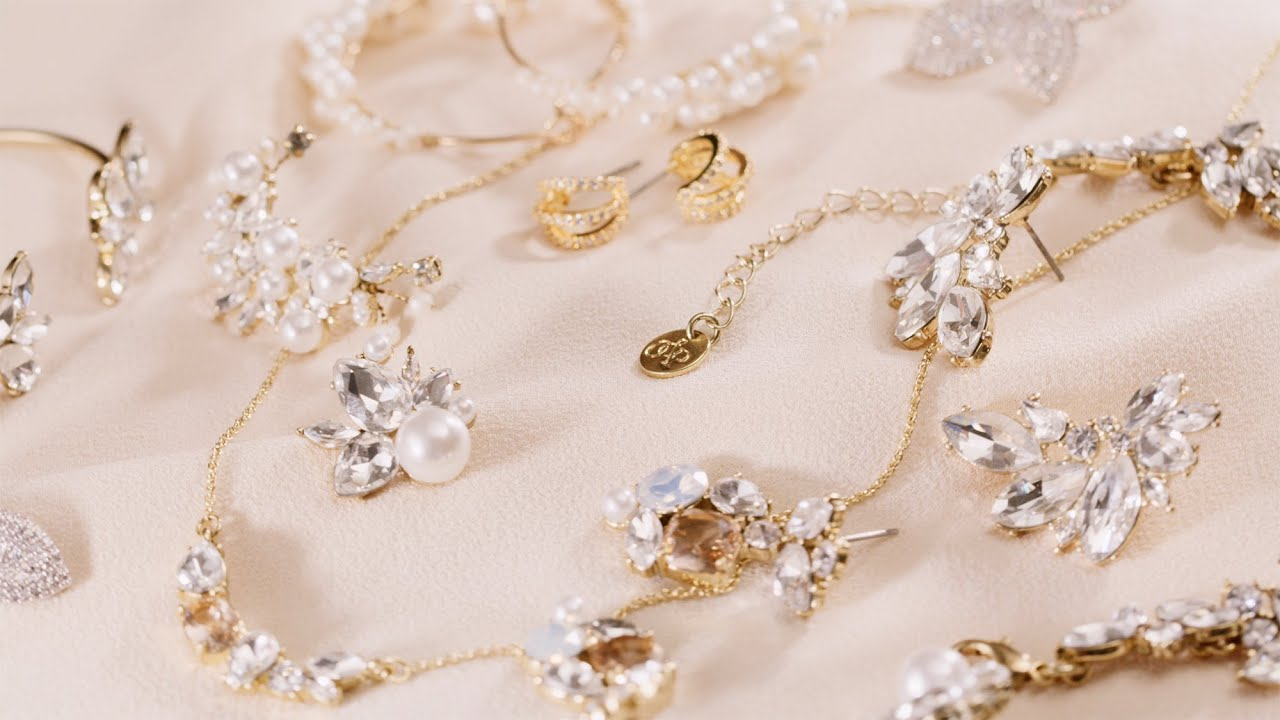 Calling All Young Jewelry Designers to Enter the Shinning Light Awards