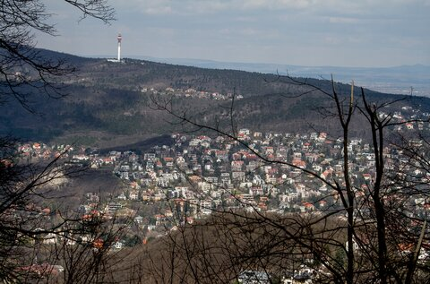 Hármashatár Hill