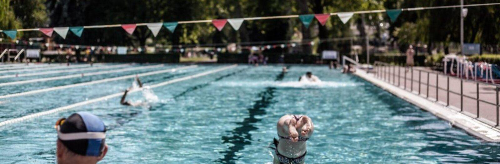 Napfény és mozgás egyszerre – budapesti strandok, ahol zavartalanul úszhatunk