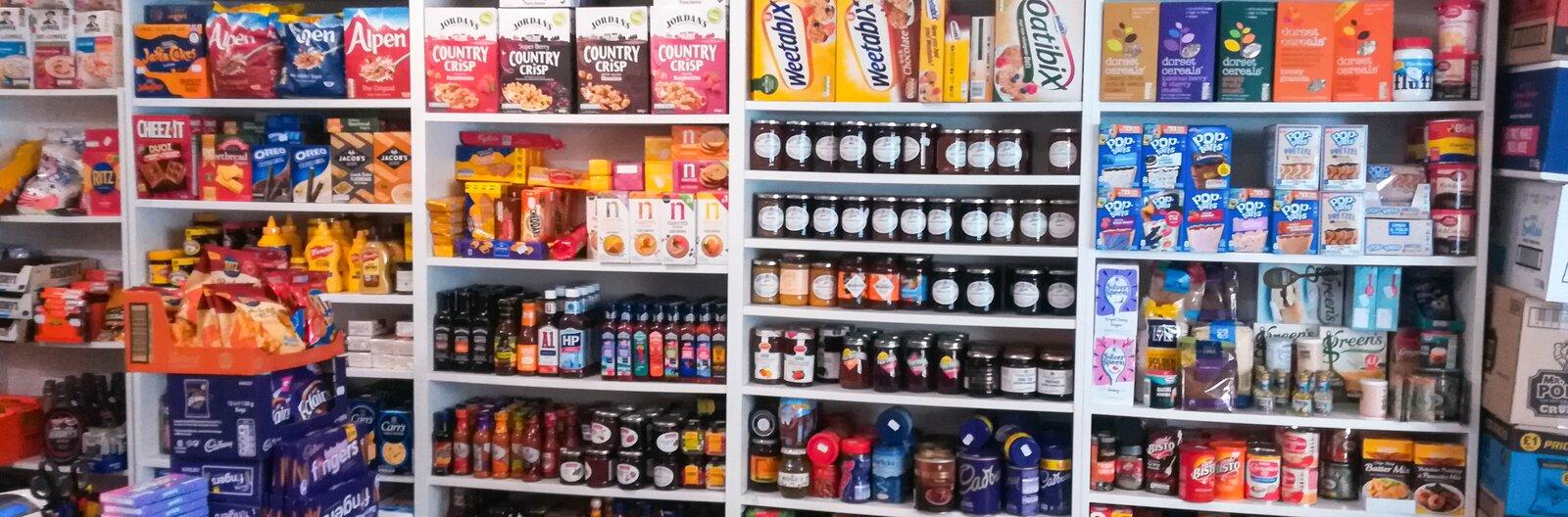 A csokibékától a garnélachipsig – itt vásárolj külföldi édességeket Budapesten!
