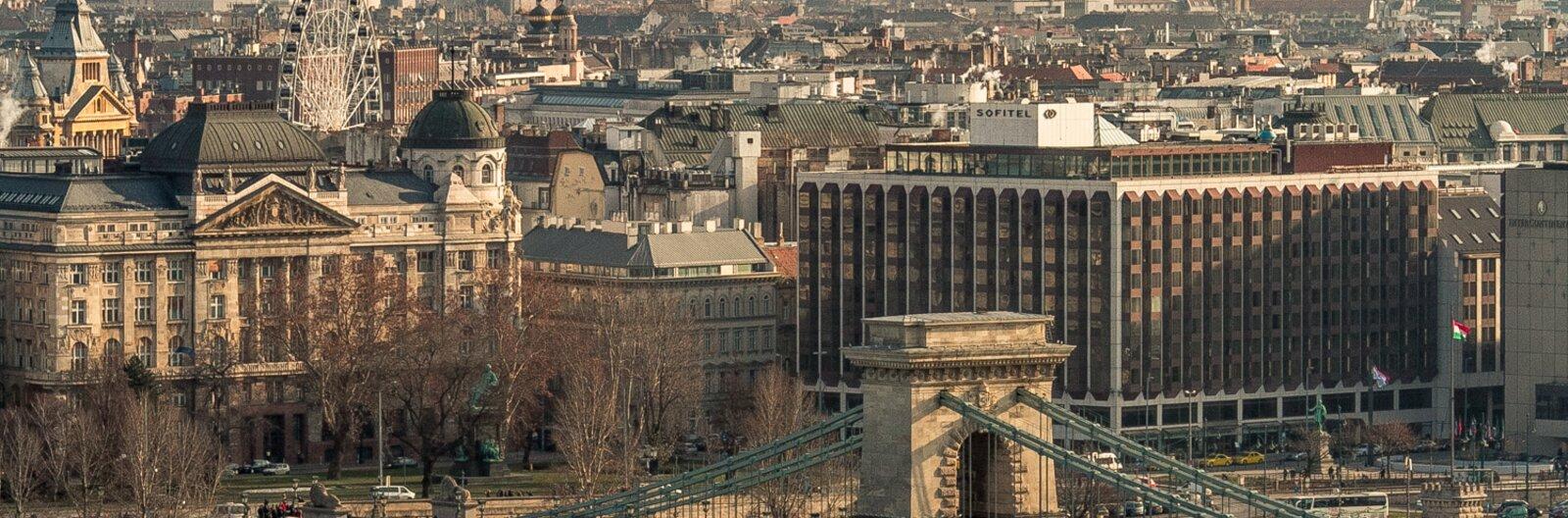 Buda és Pest között - a város hídjai