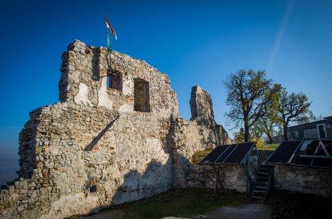 Rezi Castle and Study Trail