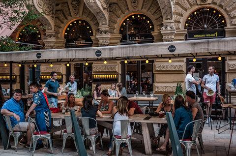 Innio Restaurant & Bar (Bezárt)