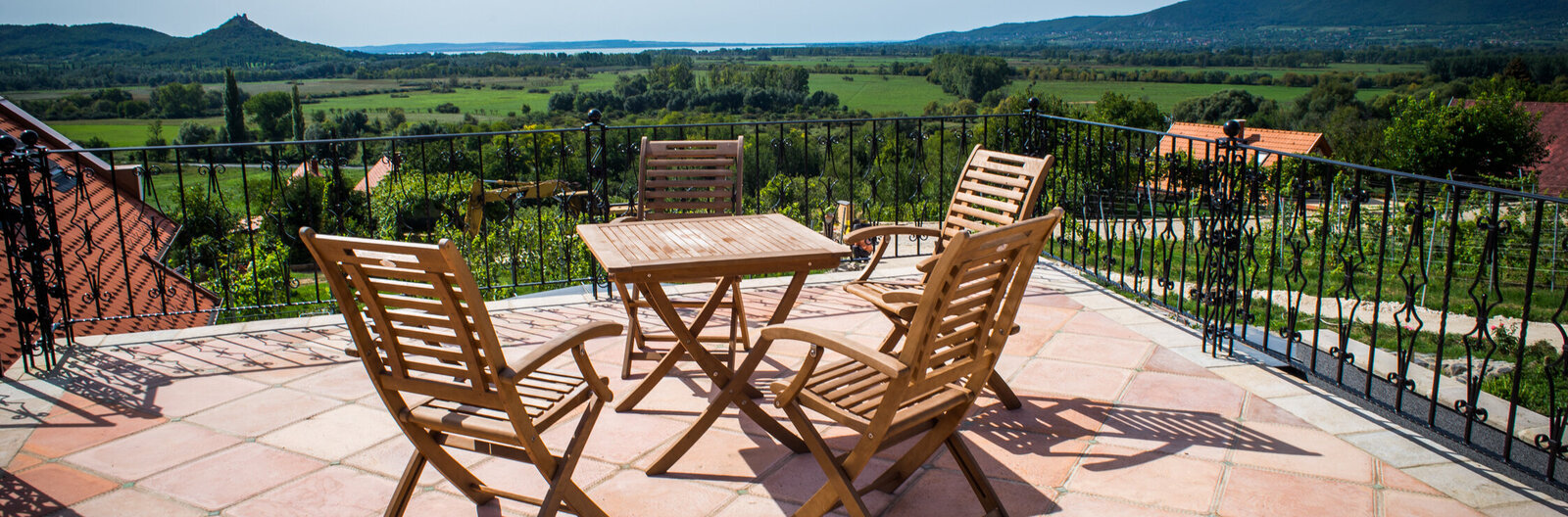 Stylish rooms and lavish wines – 11 Balaton wineries with lodging