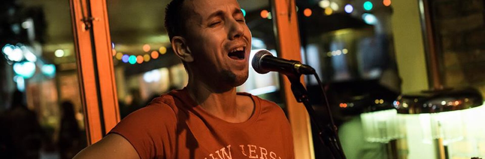 5 open-mic nights at varied Budapest venues