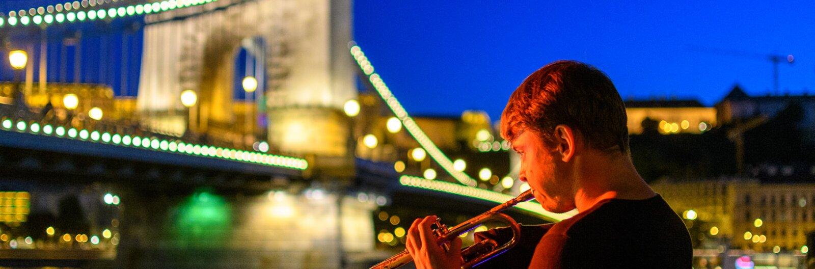Kis éji zene – ide menj hangulatos nyári élő zenés estékért!