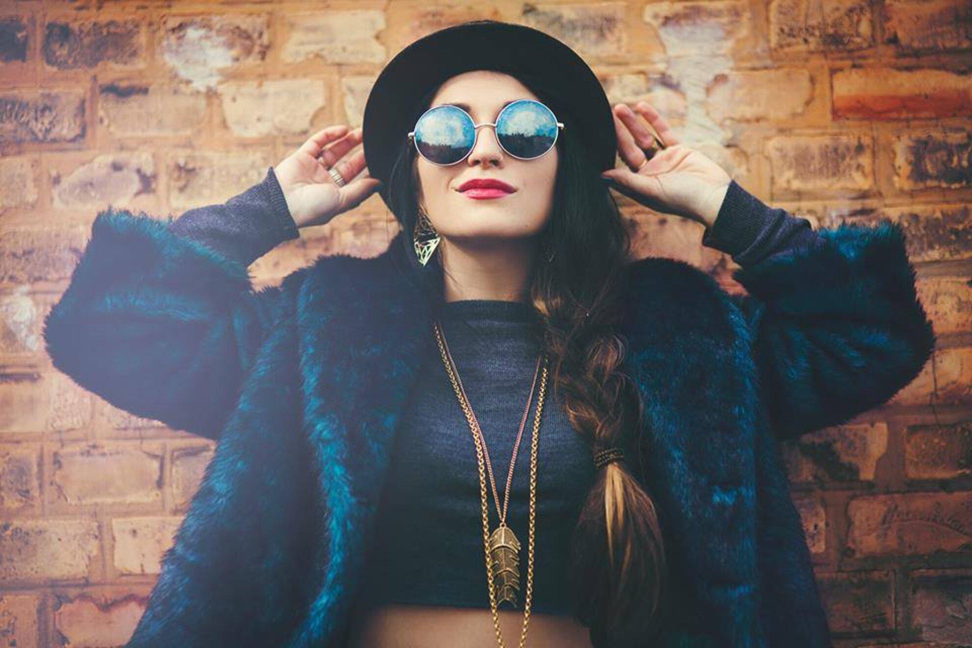 új stílusok előnézete legjobb árak The future looks bright for Budapest-based diva Antonia Vai