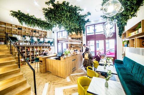 Babérliget Kávézó és Könyvesbolt