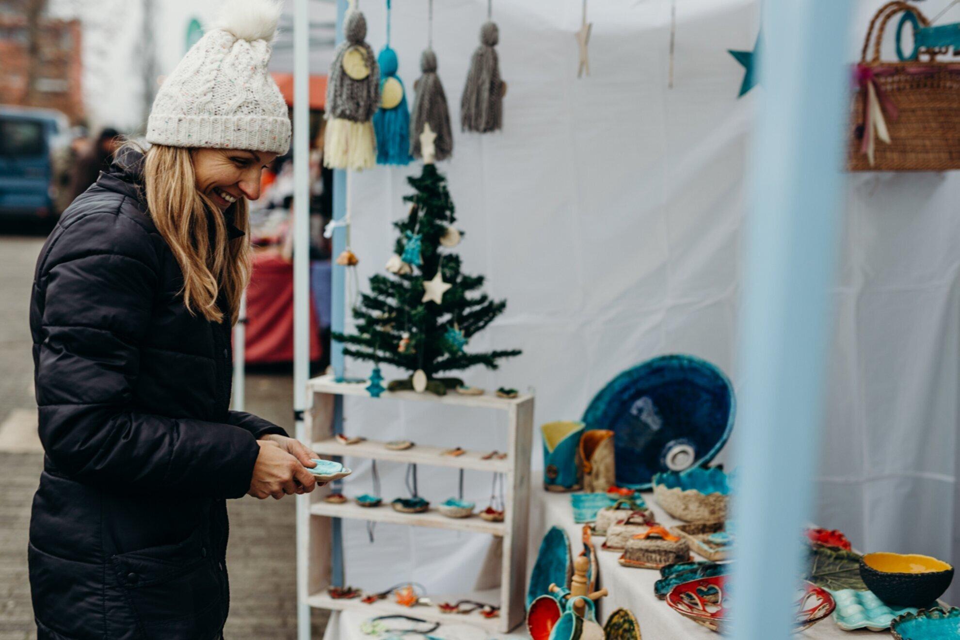 Ezt tényleg ott vetted? – Last minute karácsonyi ajándékötletek Balaton-rajongóknak