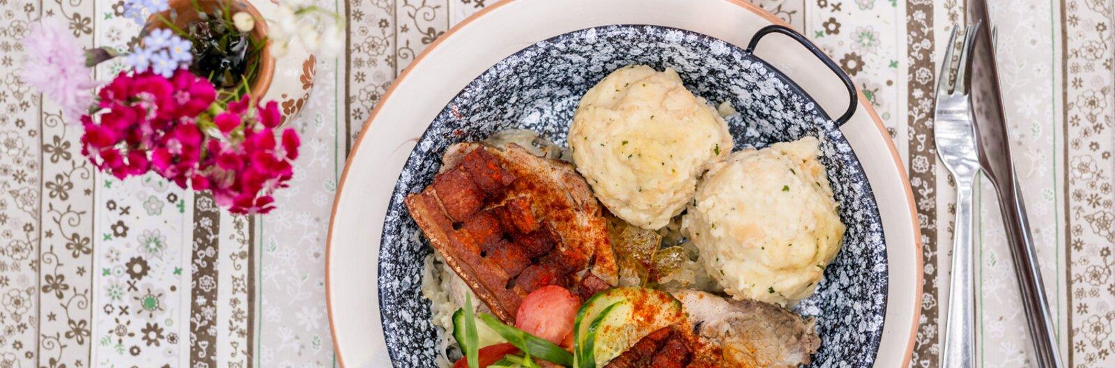 3 étterem Gödöllőn, ahol jót ehetsz, szép környezetben