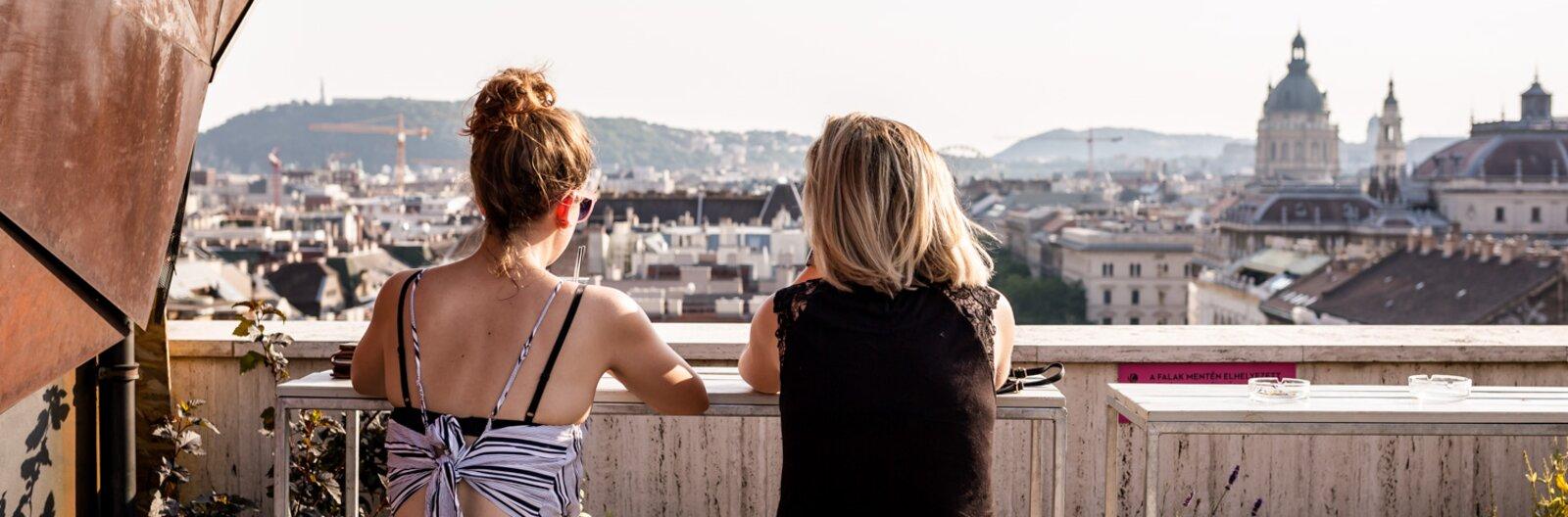9 budapesti rooftop bár, avagy kikapcsolódás a város tetején