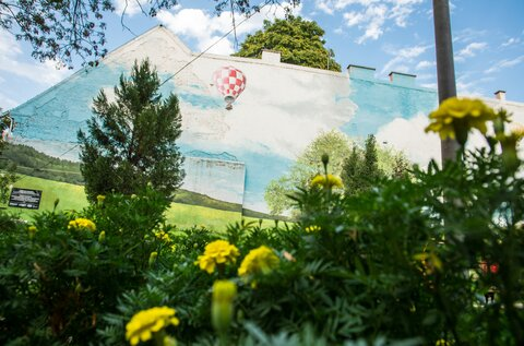 Budapest Murals – Felhős Playground