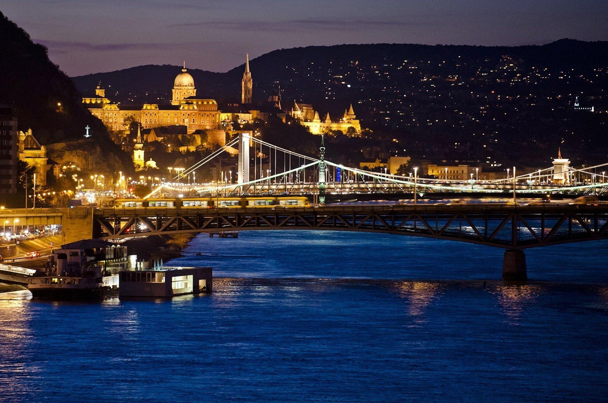 A Hiperkarma-szülinap, a FACT Fesztivál és a Budapest Independent Film Festival töri meg a szürkeséget – programajánló (02.06-12.)