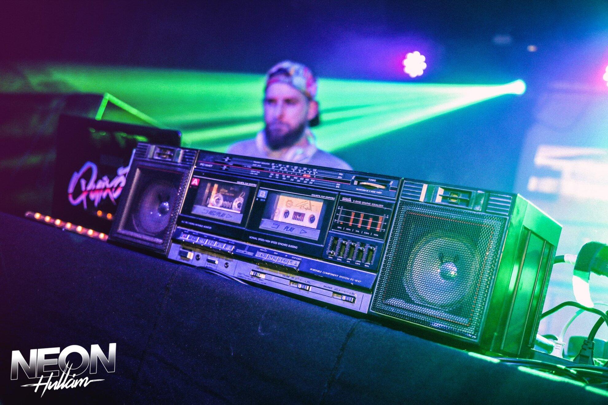 Neonhullám: Budapest Vice