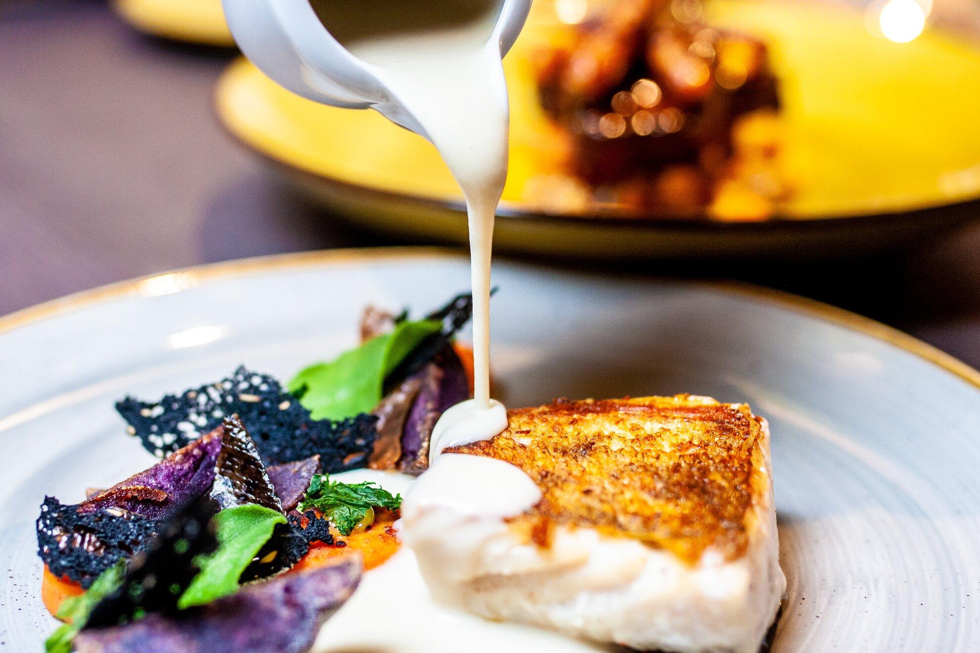Új étlapok, séfcserék és házhoz rendelhető magasgasztró – Mi újság a fine dining-éttermek háza t…