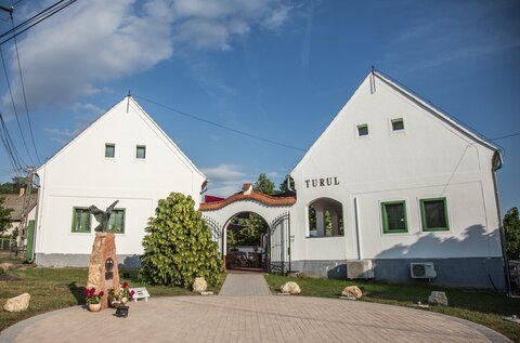 Turul Inn and Cultural Terrace