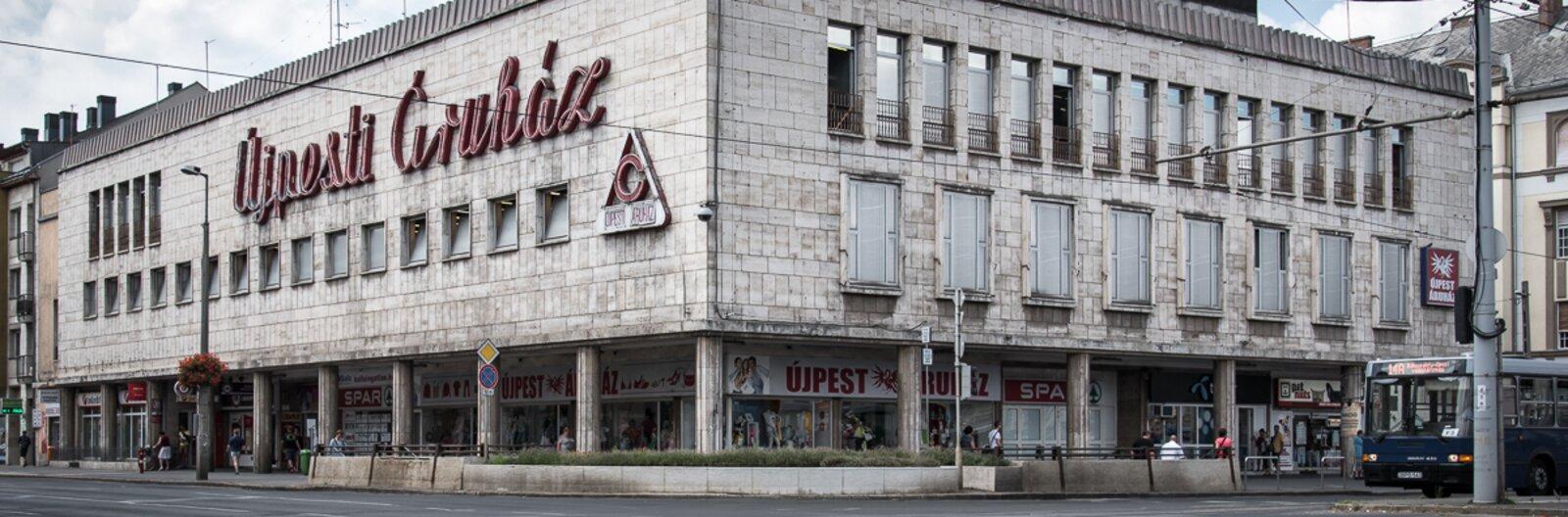 Szocialista áruházak – egy letűnt korszak plázái