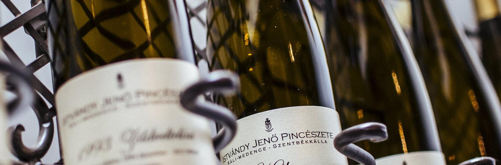 10+1 nyárindító bor a Balaton északi partjáról