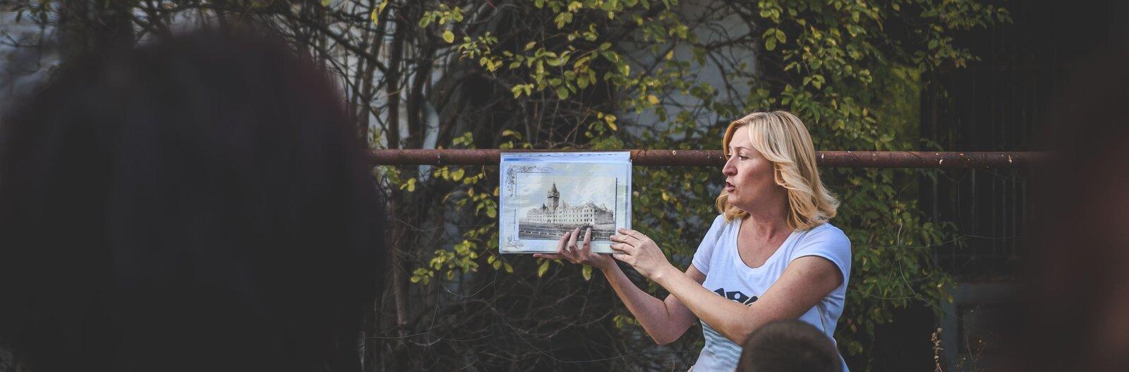 Szellemváros, napfénykúra és túra a föld alatt – 5 izgalmas városi séta a Balatonnál