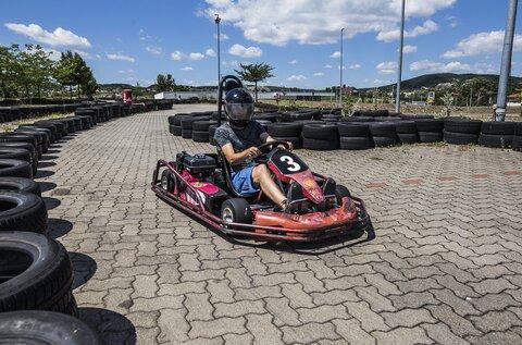Oszi Go-Kart