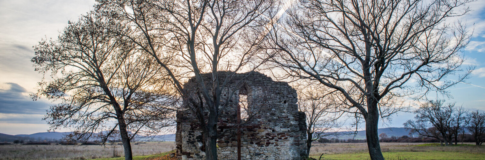 10 unique church ruins from the Árpád era