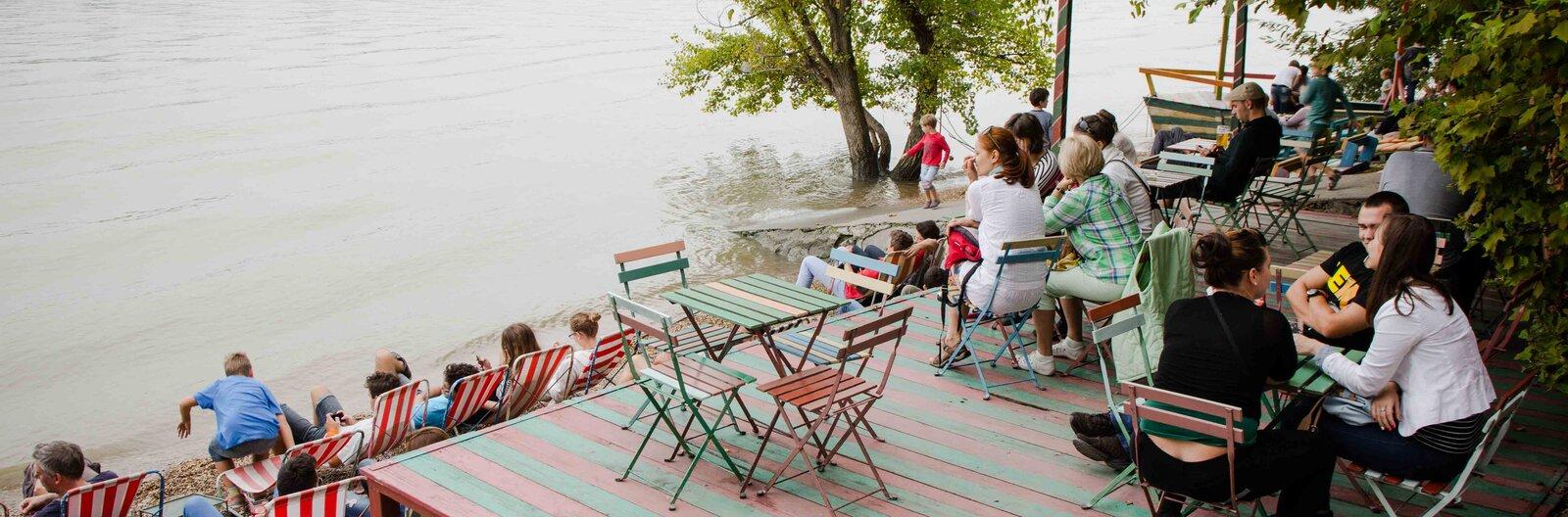 8 brilliant Buda-side bars on the Danube riverbank