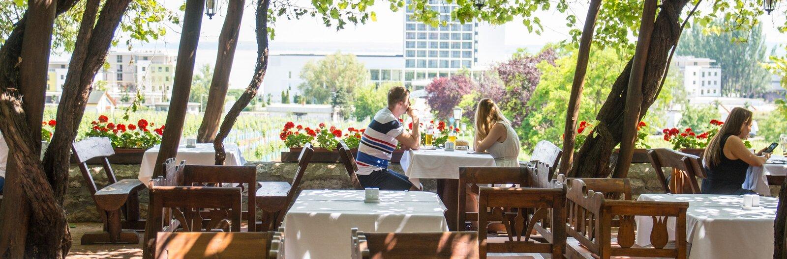 6 best wining and dining options at Lake Balaton this summer