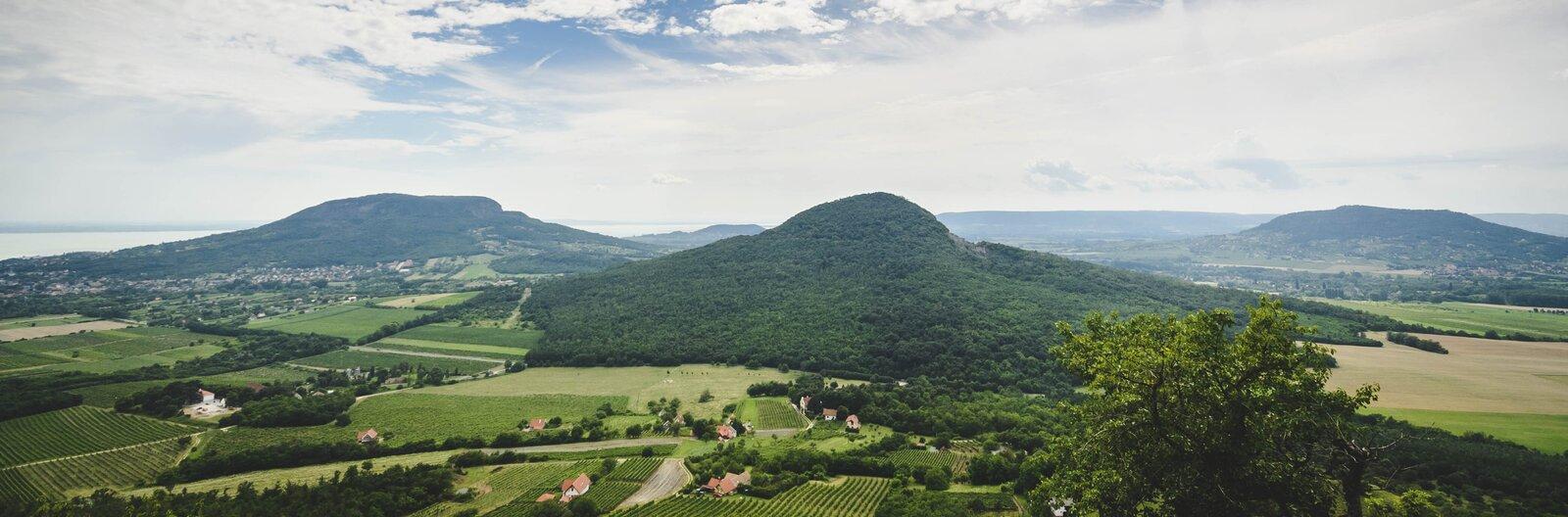 Mit mászunk meg idén? – 10 gyönyörű tanúhegy a Balaton-felvidékről