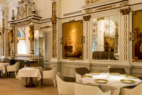 The Name White Room Is Derived From Historical Of De Witte Zaal That Was Given To Restaurant When It First Opened In