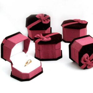 De Bijoux 10pcs/lot 6.5 x 4.5cm Red Velvet Paper Jewelry Packaging Ring Earring Box Wedding Party Favor Gift Box