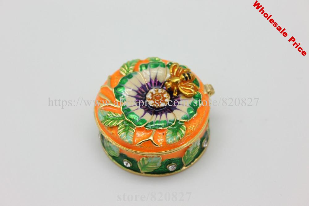 Round Shape Trinket Jewelry Box with Bee and  Leaf Collectible  Bee Trinket Box Holder Trinket Box
