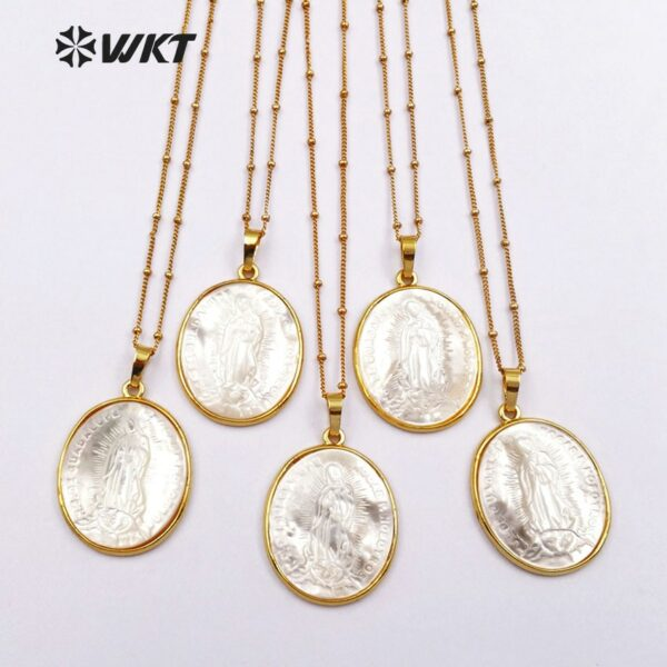 """WT-JN022 Wholesale Natural Round Shape Shell Pendants Necklace with 18""""Gold strim Chain for Necklaces 24K Metal Electroplated"""