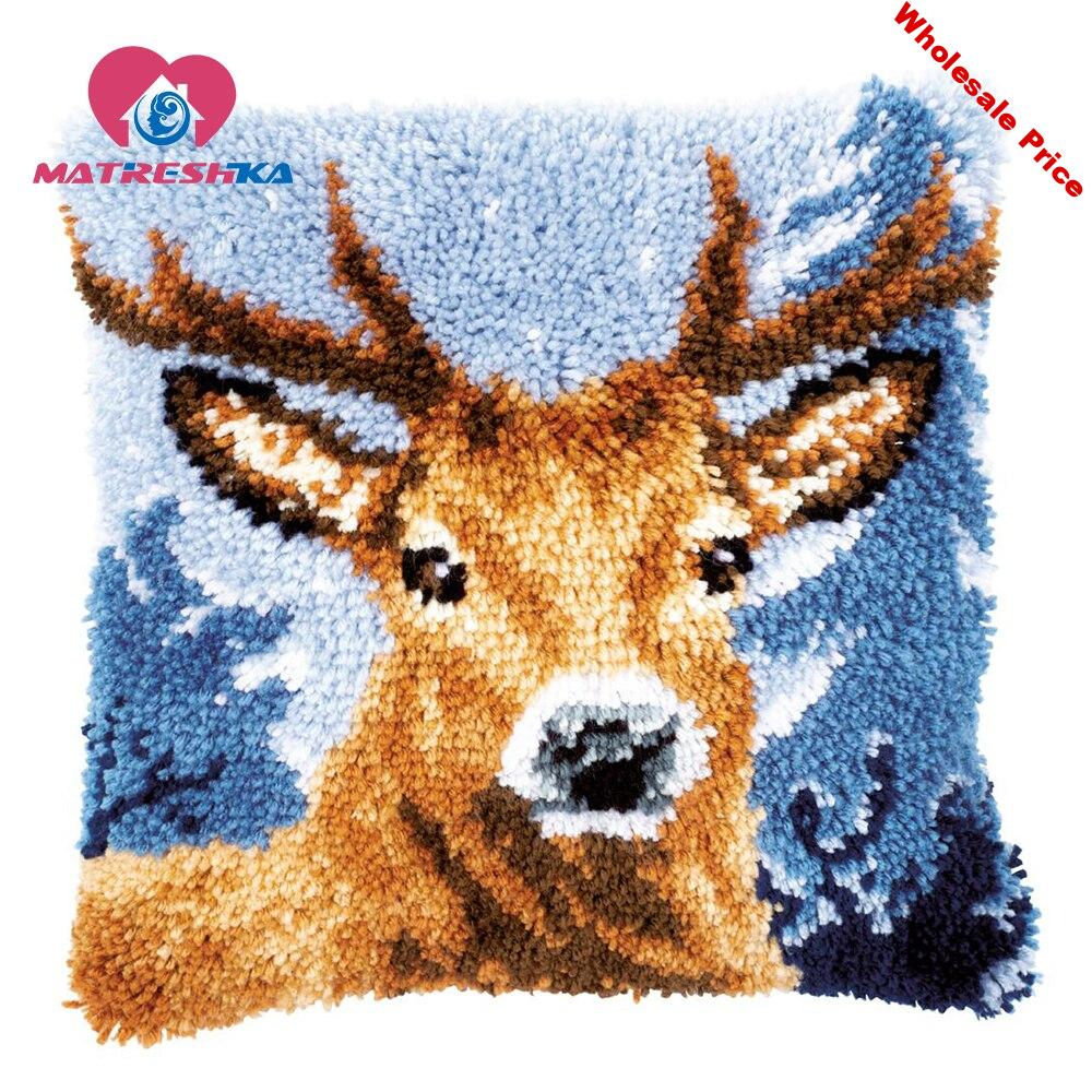 latch hook Pillow kits Deer cross-stitch pillow embroidery carpet do it yourself embroidery pillow Foamiran for crafts home