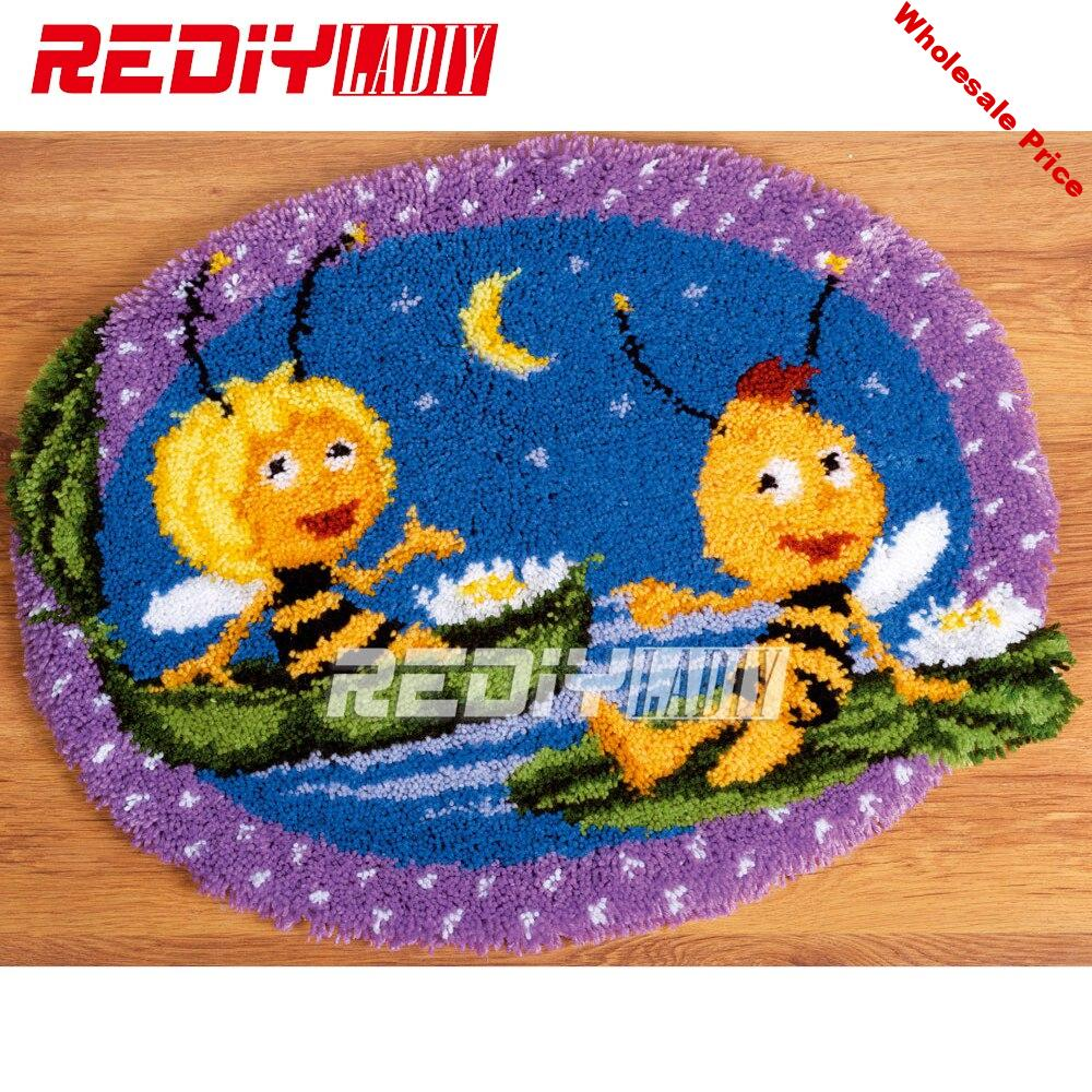 Hot 3D Latch Hook Rug Kits DIY Needlework Unfinished Crocheting Rug Yarn Cushion Mat Bee Lovers Embroidery Carpet Free Shipping