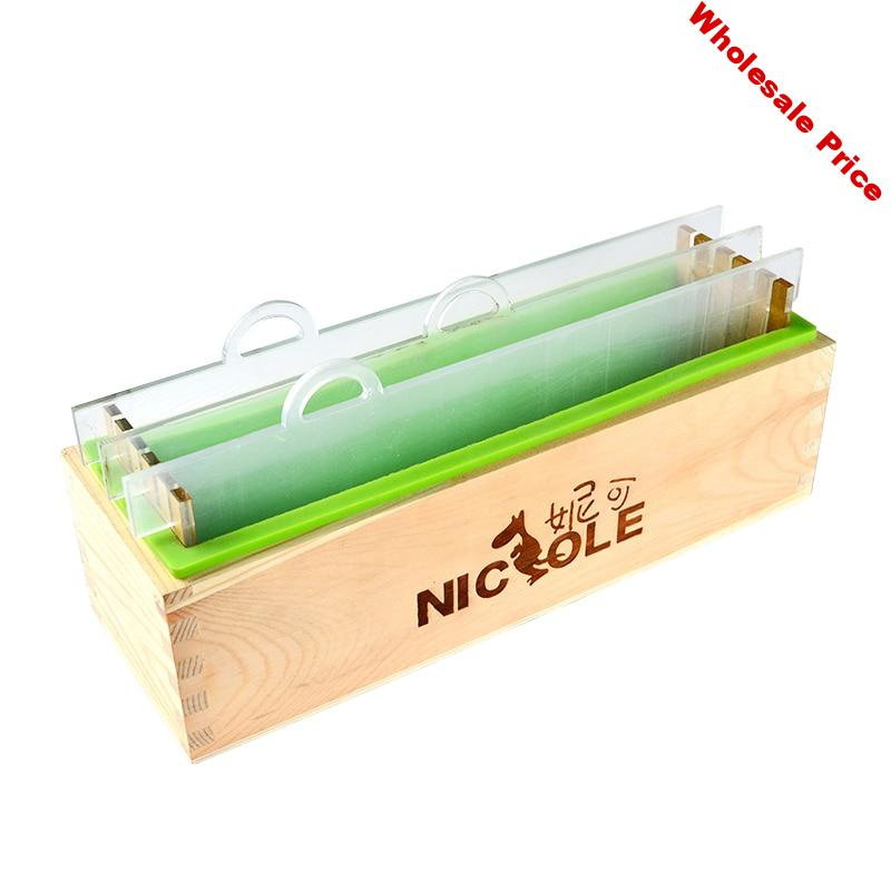 ff7f11d0-ff7f11d0-rectangular-silicone-render-soap-mold-with-wood-box-and-transparent-vertical-acrylic-clapboard-for-handmade-loaf..jpg