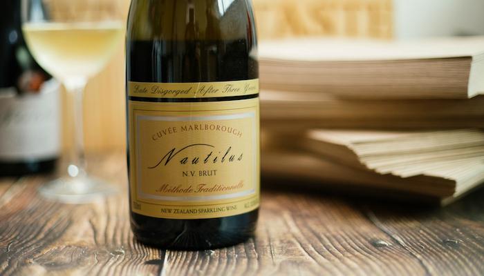 【品迷月訂酒 10 月號】香檳法釀造!鸚鵡螺莊園 氣泡酒