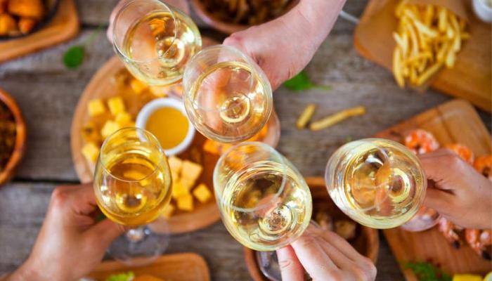 【新手必看】達人推薦,白酒入門指南 - 從葡萄酒風味找到你要的酒!
