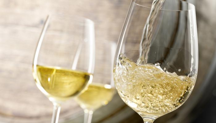 喜歡紅酒比較高尚?四個面向帶你看見白酒的好